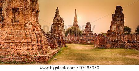 Sunset in Wat Mahathat. Ayutthaya historical park. Panorama