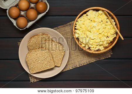 Wholegrain Bread and Egg Salad