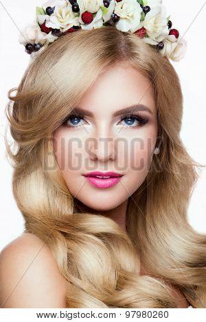 Fashion Blondie Model Portrait. Hairstyle. Haircut. Professional Makeup.