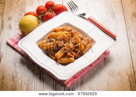spaghetti with swordfish ragout and lemon peel