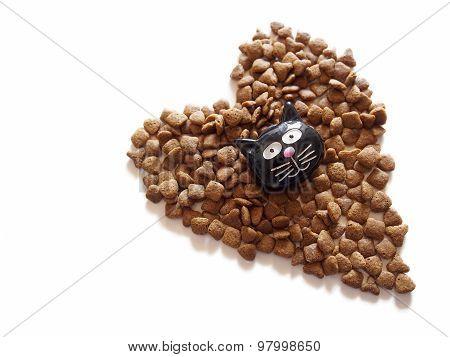 Pet food. Tasty cat crunchies.