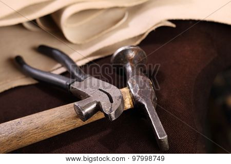 Accessories shoemaker