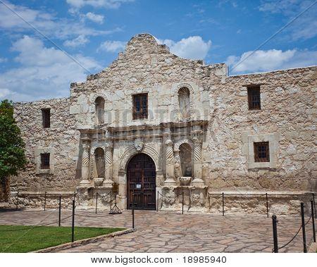 la parte delantera del Alamo en San Antonio Texas