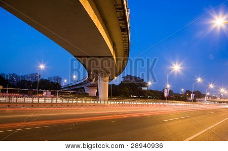 express way at night time