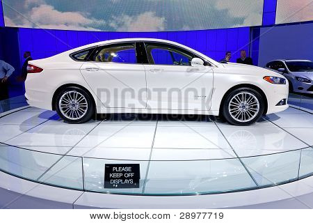 2013 Ford Fusion Profile