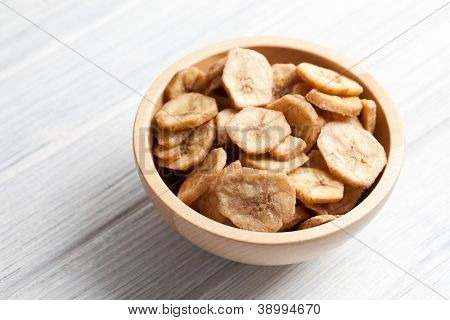 dried banana chips in bowl