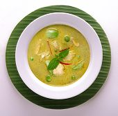 Chicken green curry (kang kaew wan kai)