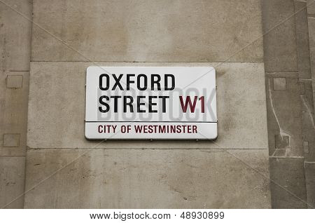 Oxford Street sign