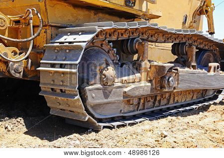 Bulldozer wheel tracking.