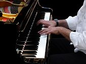pic of grand piano  - Close - JPG