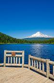 foto of trillium  - Majestic mountain lake in Canada - JPG