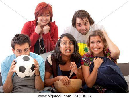 besorgt Leuteaufpassen Fußball