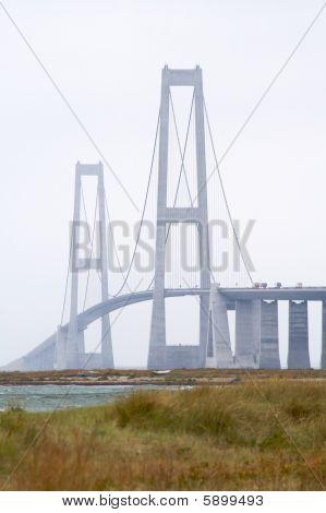 Pylon bridge