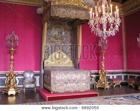 Queen Marie-antoinette Bedroom