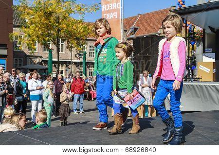 Kids On Catwalk