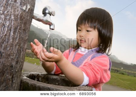 Baby wassen Hand