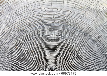 Cross section of wire cage roll