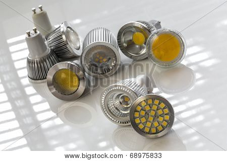 Gu10 Led Bulbs With Different Light-emitting Chips