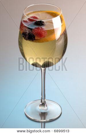 Sangría de vino blanco