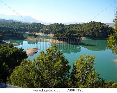 Ardales lake