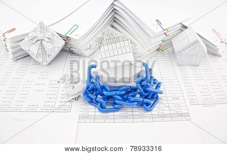 Blue Plastic Chain Shackle Santa Claus