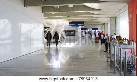 PARIS - SEPTEMBER 10: Airport interior on September 10, 2014 in Paris, France. Paris Charles de Gaulle Airport, is one of the world's principal aviation centres.