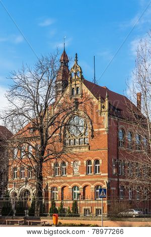 Adam Mickiewicz High School