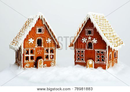 The Hand-made Eatable Gingerbread Houses And Snow Decoration
