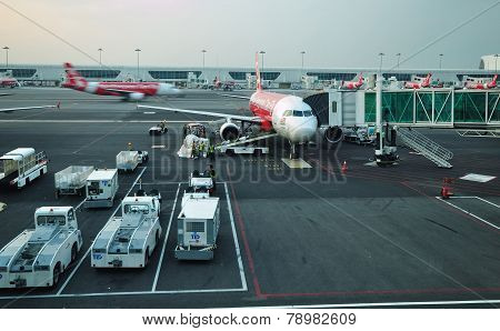 Airasia Plane Ready To Take Off In Klia Terminal 2
