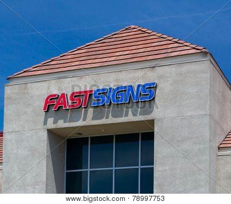 Fastsigns Retail Exterior And Logo