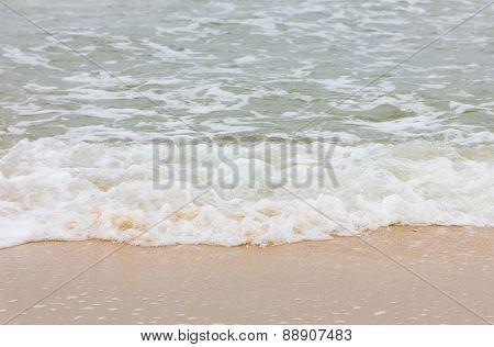 Strom Beach Wave
