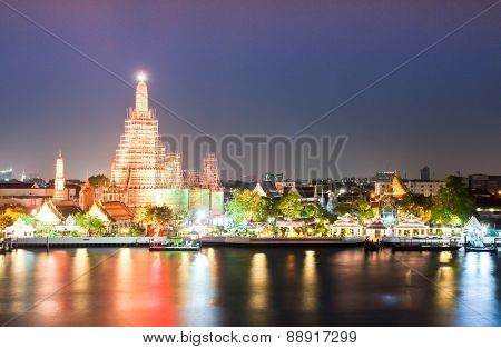 Wat Arun Temple In Bangkok Twilight Thailand