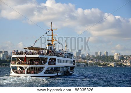 A ferry sails into the Bosphorus, Istanbul, Turkey.