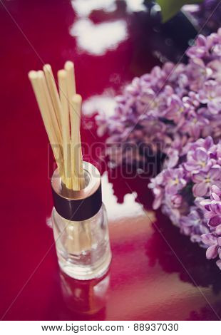 Aroma Diffuser With Bamboo Sticks And Lilac