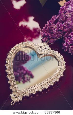Elegant Heart-shaped Mirror And Lilac