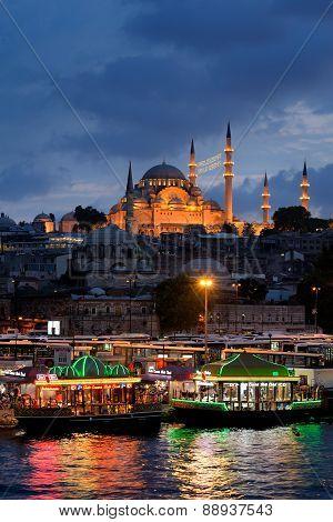 Suleymaniye Mosque in Eminonu, Istanbul, Turkey.