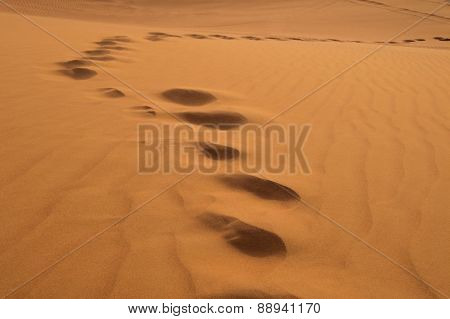 Footprints On Sand Dune In Rub 'al Khali, United Arab Emirates