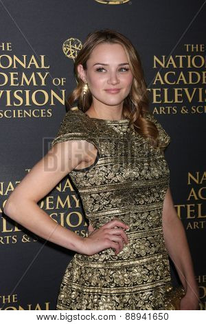 LOS ANGELES - FEB 24:  Hunter King at the Daytime Emmy Creative Arts Awards 2015 at the Universal Hilton Hotel on April 24, 2015 in Los Angeles, CA