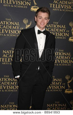 LOS ANGELES - FEB 24:  Chad Duell at the Daytime Emmy Creative Arts Awards 2015 at the Universal Hilton Hotel on April 24, 2015 in Los Angeles, CA