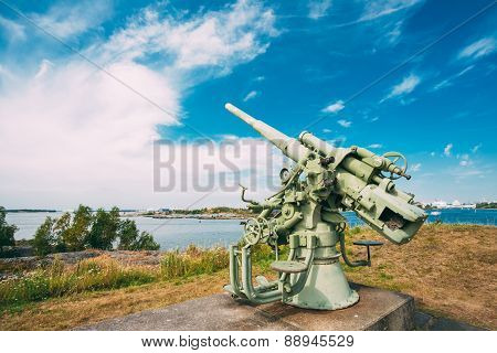 Historic cannon at Suomenlinna, Sveaborg maritime fortress In He