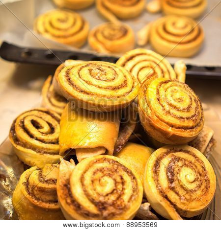 Cooking Sweet Cinnamon Rolls