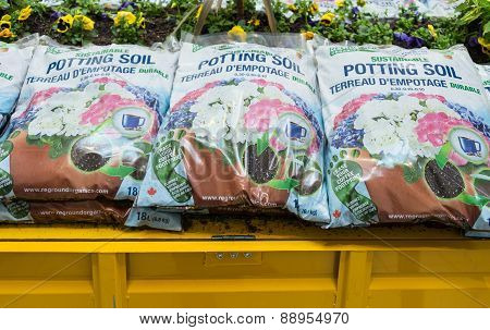 Reground Organics: New Canadian Company Promoting Sustainable Potting Soil