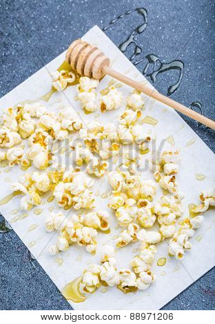Sweet Popcorn In Honey