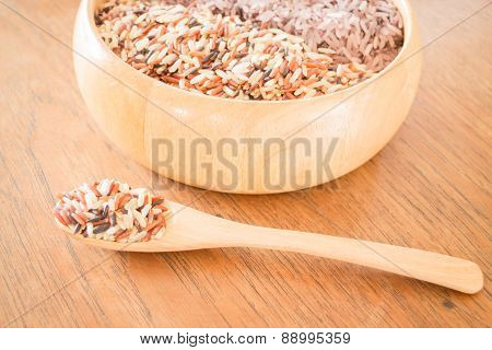 Organic Multi Whole Grain Of Jasmine Rice