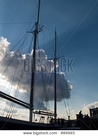 Silueta de la nave