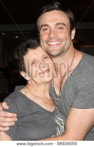 LOS ANGELES - AUG 15:  Daniel Goddard, mother at the