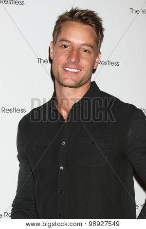 LOS ANGELES - AUG 15:  Justin Hartley at the