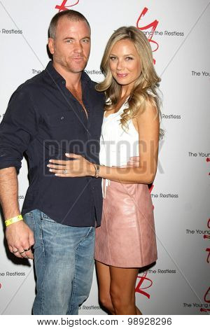 LOS ANGELES - AUG 15:  Sean Carrigan, Melissa Ordway at the