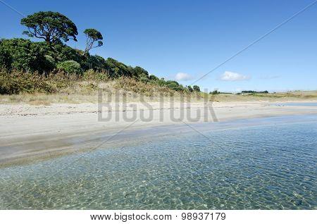 Landscape view of Matai Bay coastline in Karikari peninsula of Northland New Zealand.