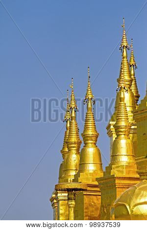 Sharp Gold Pagoda With Sky